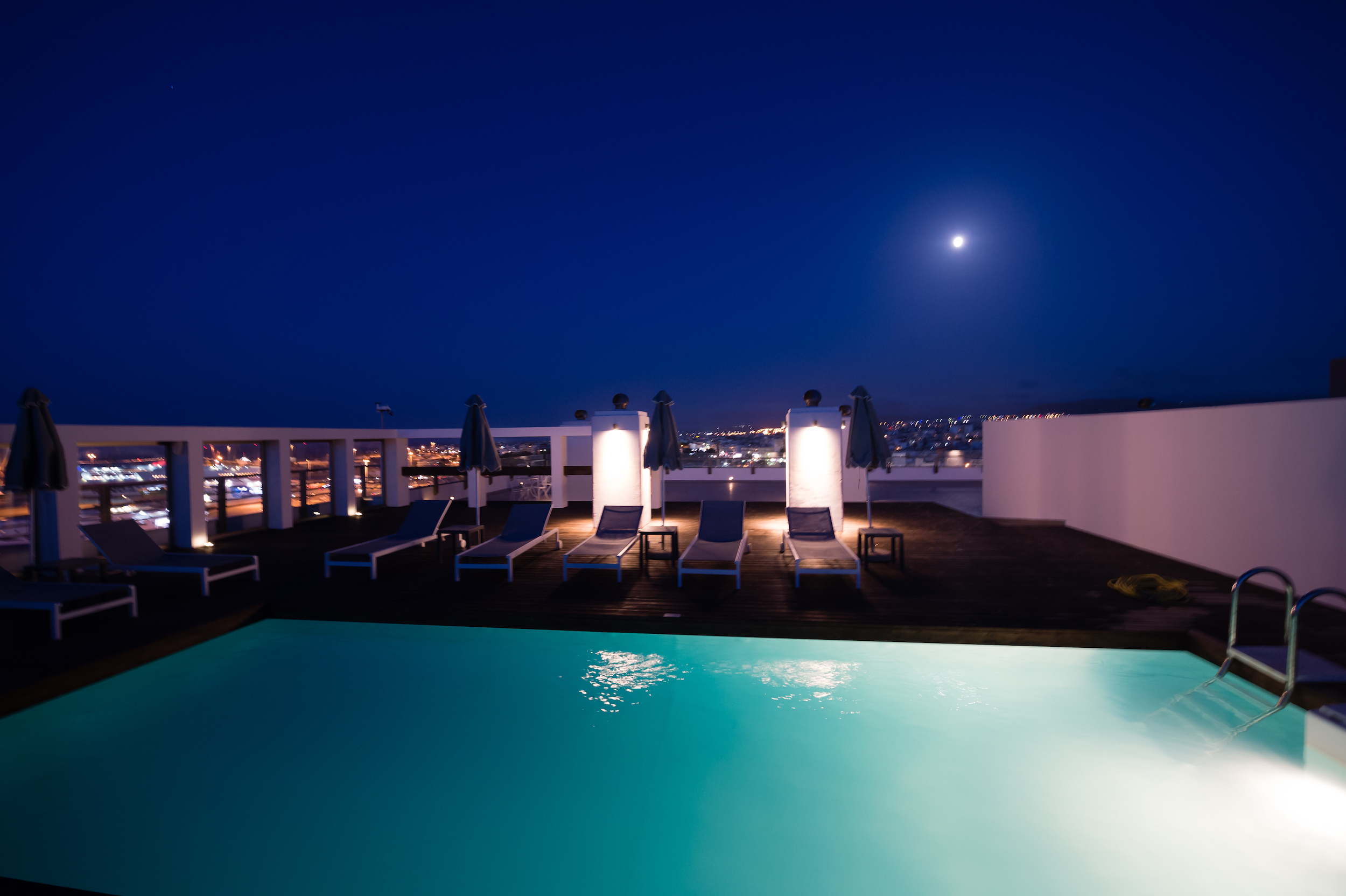 aquila atlantis hotel - roof top pool 16